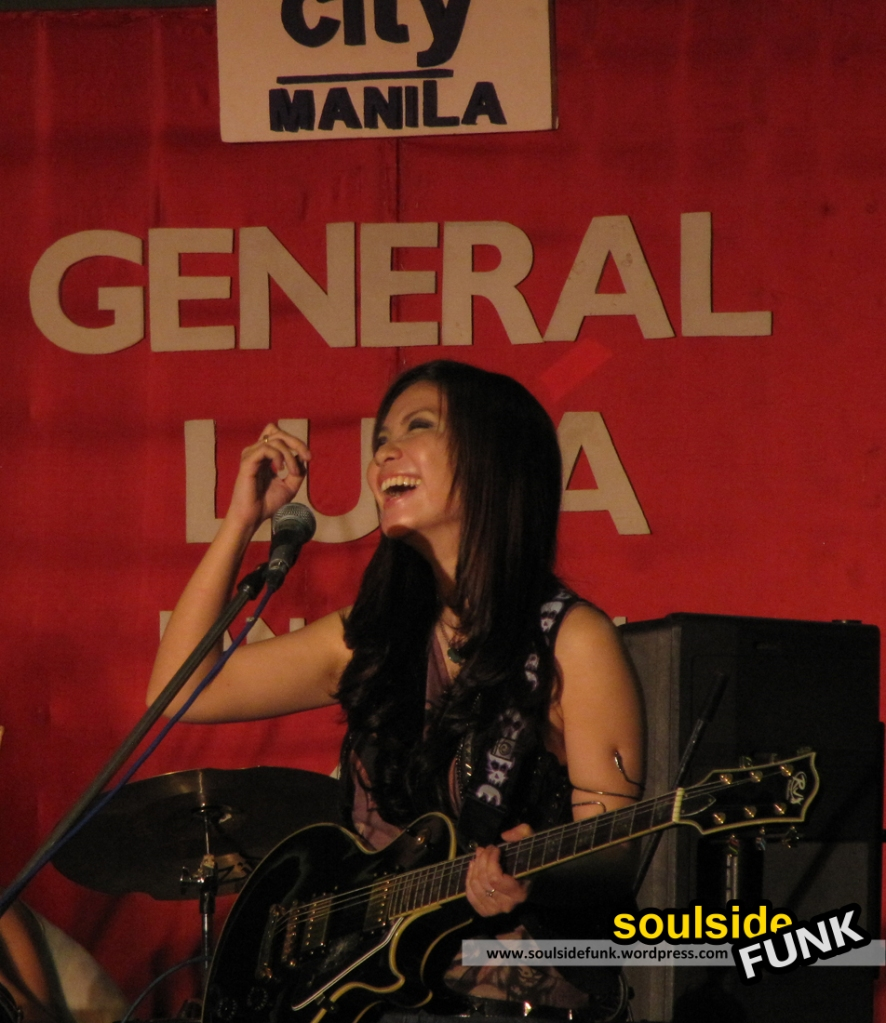 General Luna perform at SM City Mall, Manila