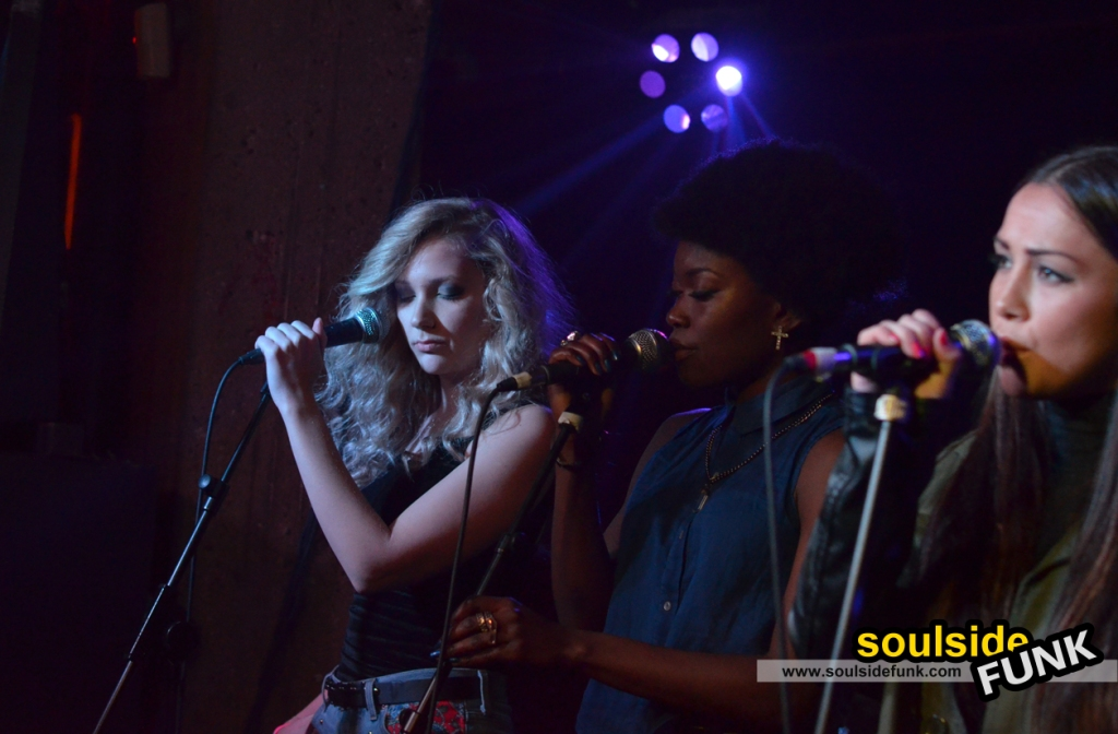 Woo Woos at Queen of Hoxton / Must Be Pop Live