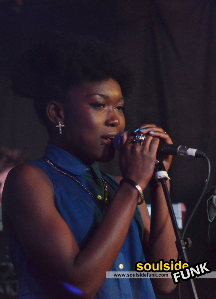 Woo Woo at Queen of Hoxton (Must Be Pop Live)