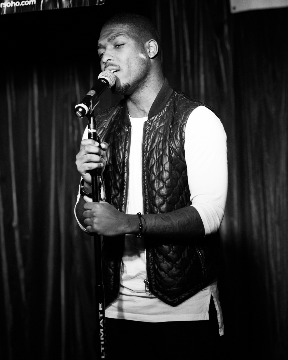 Dez Mensah performs at Pop Revue, London